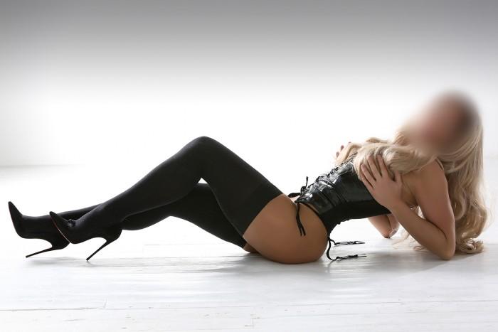 Sienna Escort