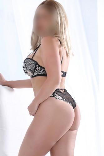 Victoria Escort
